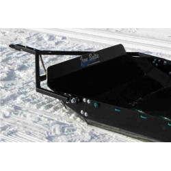 Priekaba vezimui per sniega ir tempimo irenginys